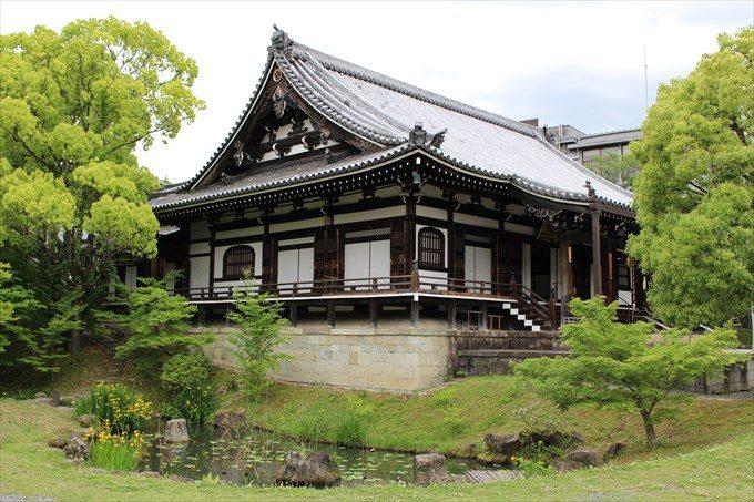 14明王殿と池