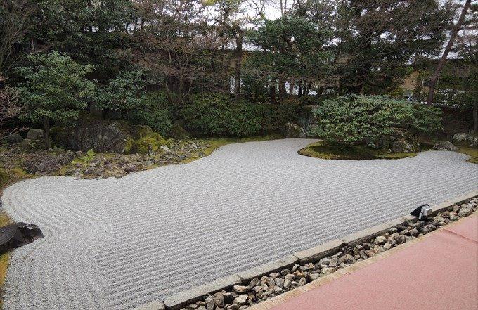 38圓徳院の南側の庭