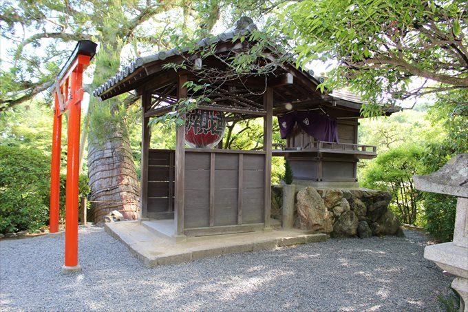 55小さな神社