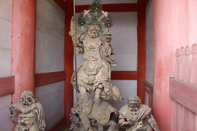 42中門の仁王像