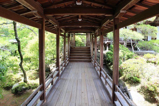 36霊明殿への渡り廊下