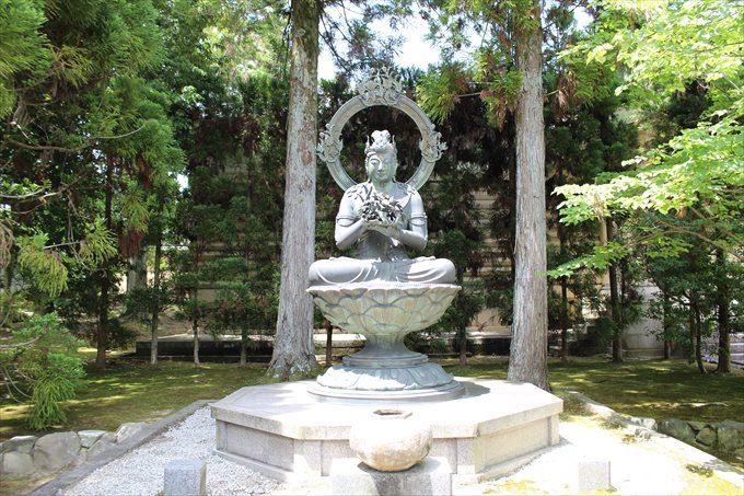 70金剛華菩薩像