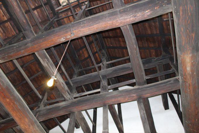 15庫裡の天井と梁