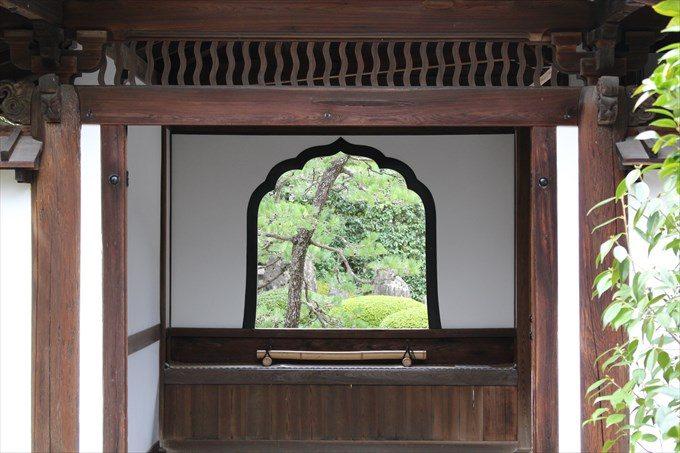 5唐門の窓
