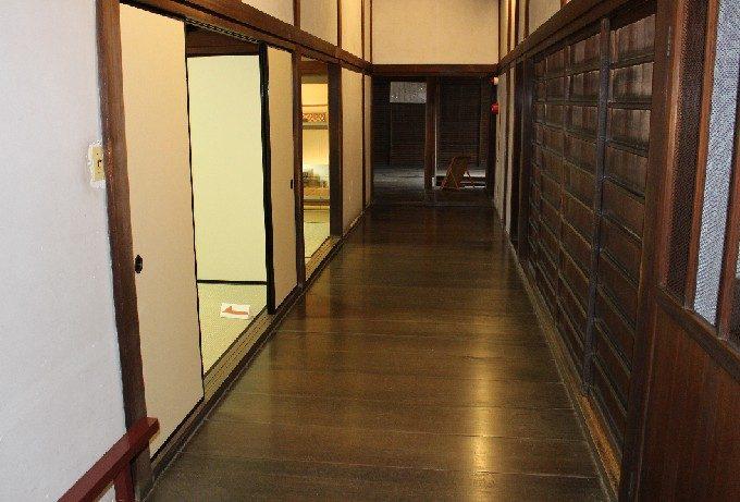 6書院横の廊下