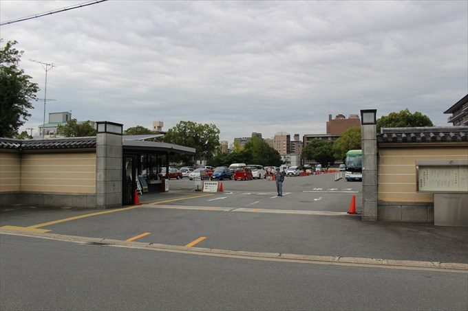2西本願寺の駐車場