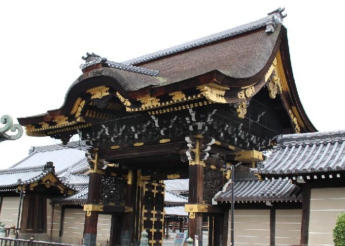 西本願寺と東本願寺の違いとは?わかりやすくご紹介!