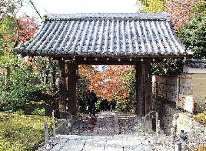 2台所坂への門