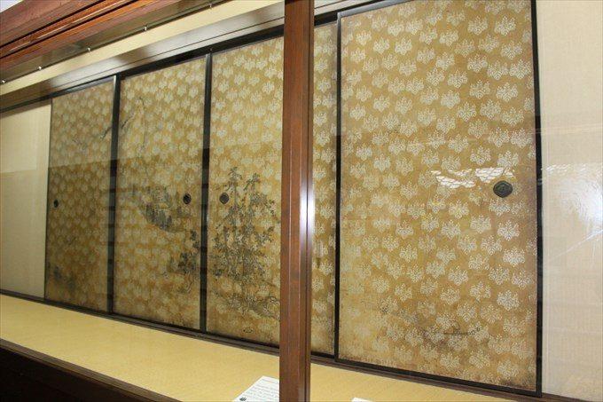 30重文の襖絵(長谷川等伯)
