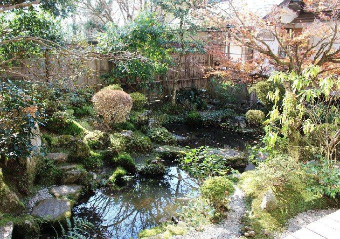 19宝泉院の鶴亀庭園