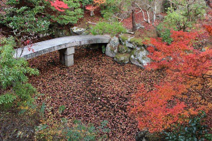27弁天堂付近の池の橋