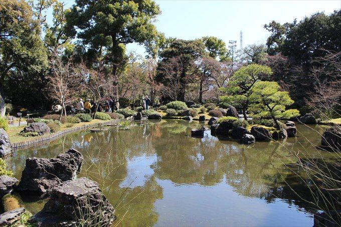 46平安の庭の池