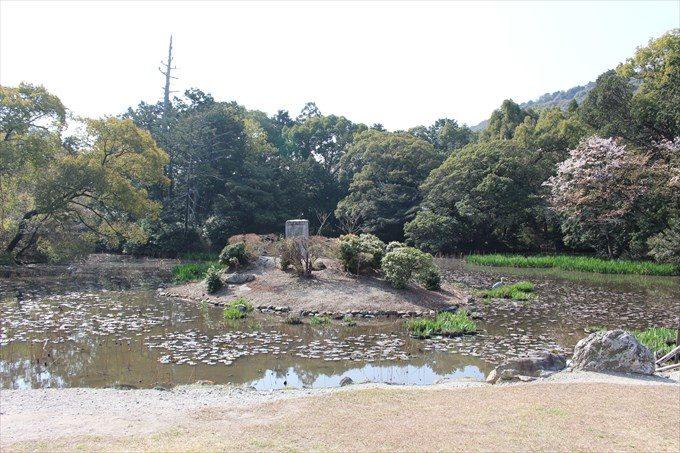 32勧修寺の氷室池