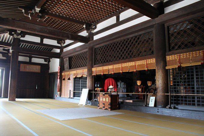 30千本釈迦堂本堂の内部