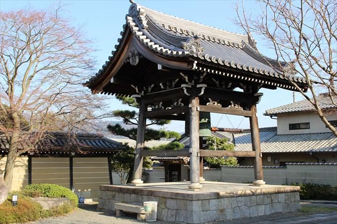 7妙満寺の鐘楼