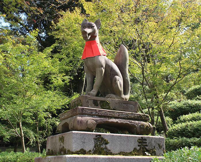 45.十石橋近くの、玉をくわえる狐